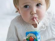 child_drinking juice